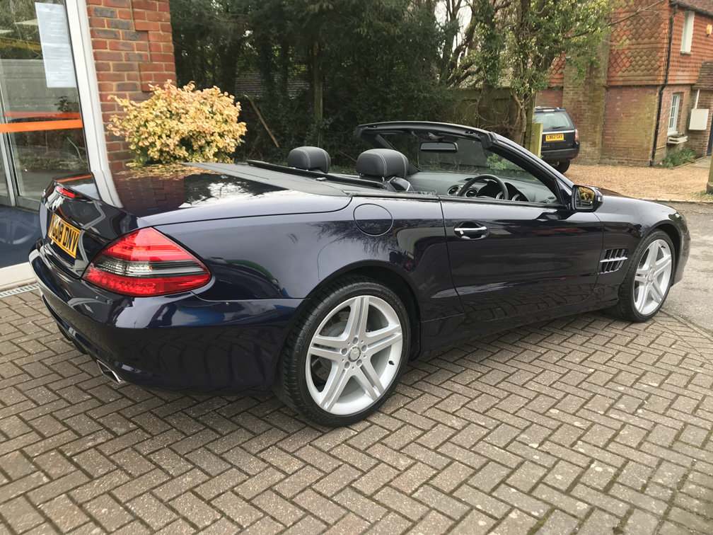 2008 MERCEDES-BENZ SL350 SPORT (Just 12,000 miles from new) For Sale (picture 4 of 6)