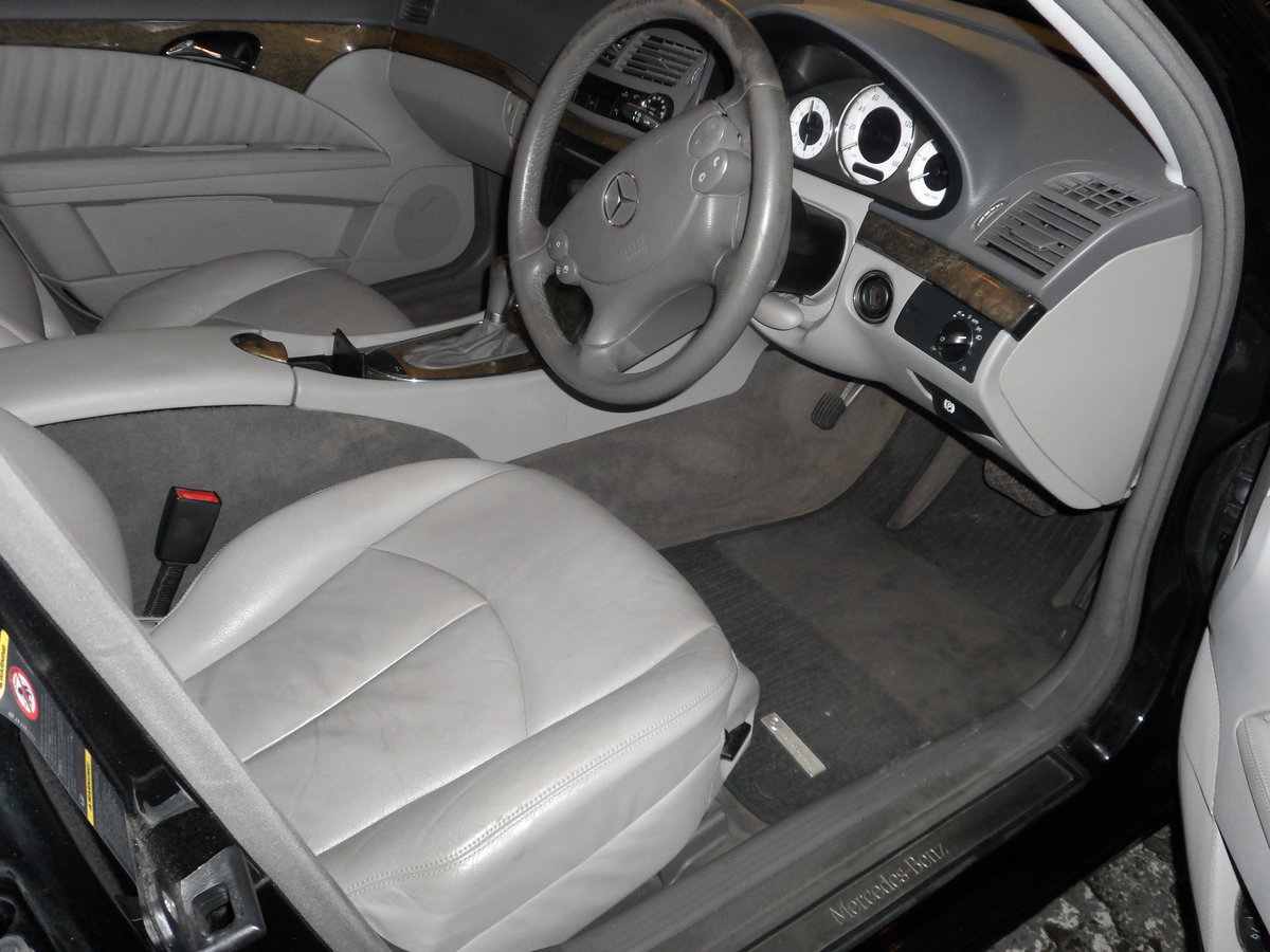 2008 58 PLATE MERCEDS BENZ E220 DIESEL AUTO BLACK WITH LEATHER For Sale (picture 2 of 6)