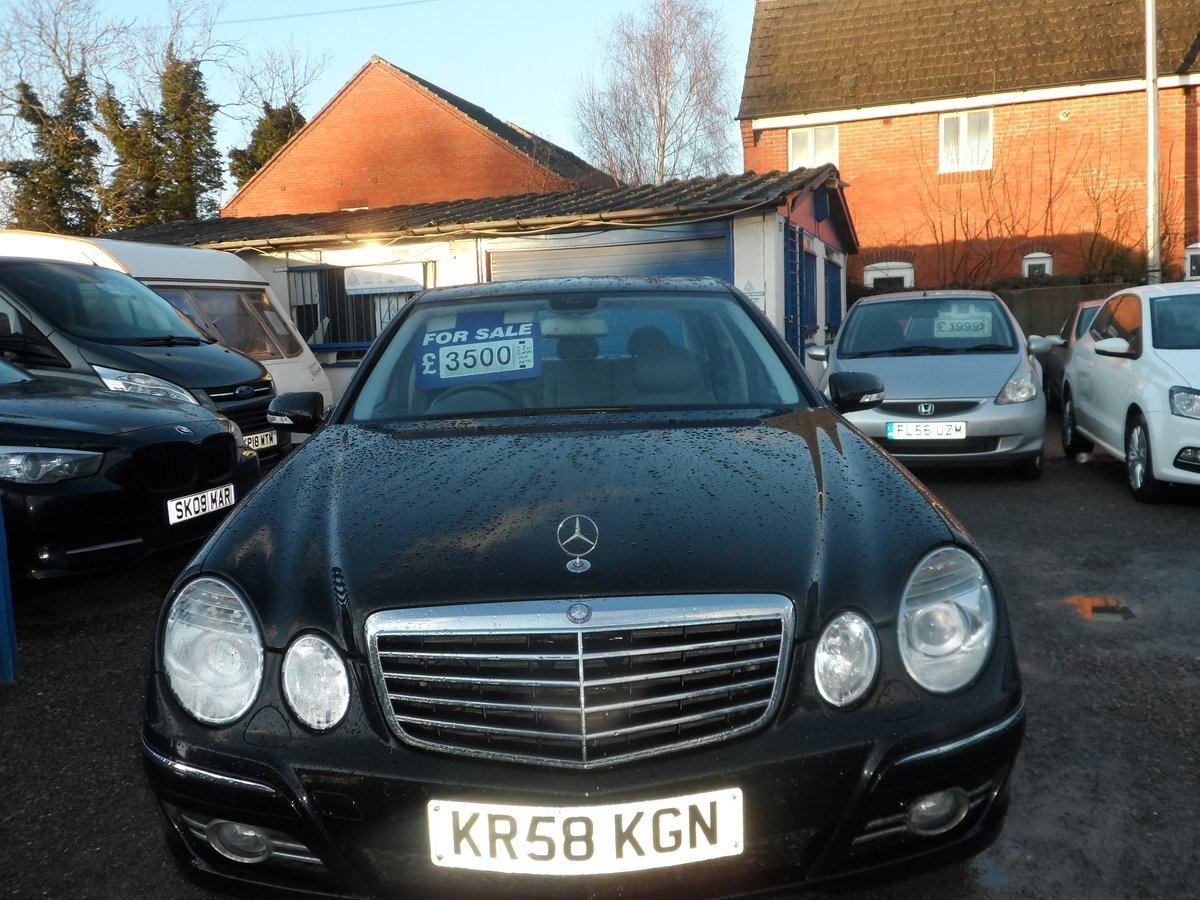 2008 58 PLATE MERCEDS BENZ E220 DIESEL AUTO BLACK WITH LEATHER For Sale (picture 1 of 6)