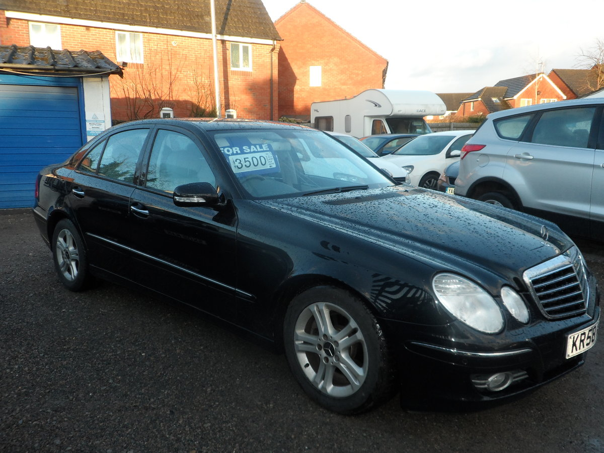 2008 58 PLATE MERCEDS BENZ E220 DIESEL AUTO BLACK WITH LEATHER For Sale (picture 4 of 6)