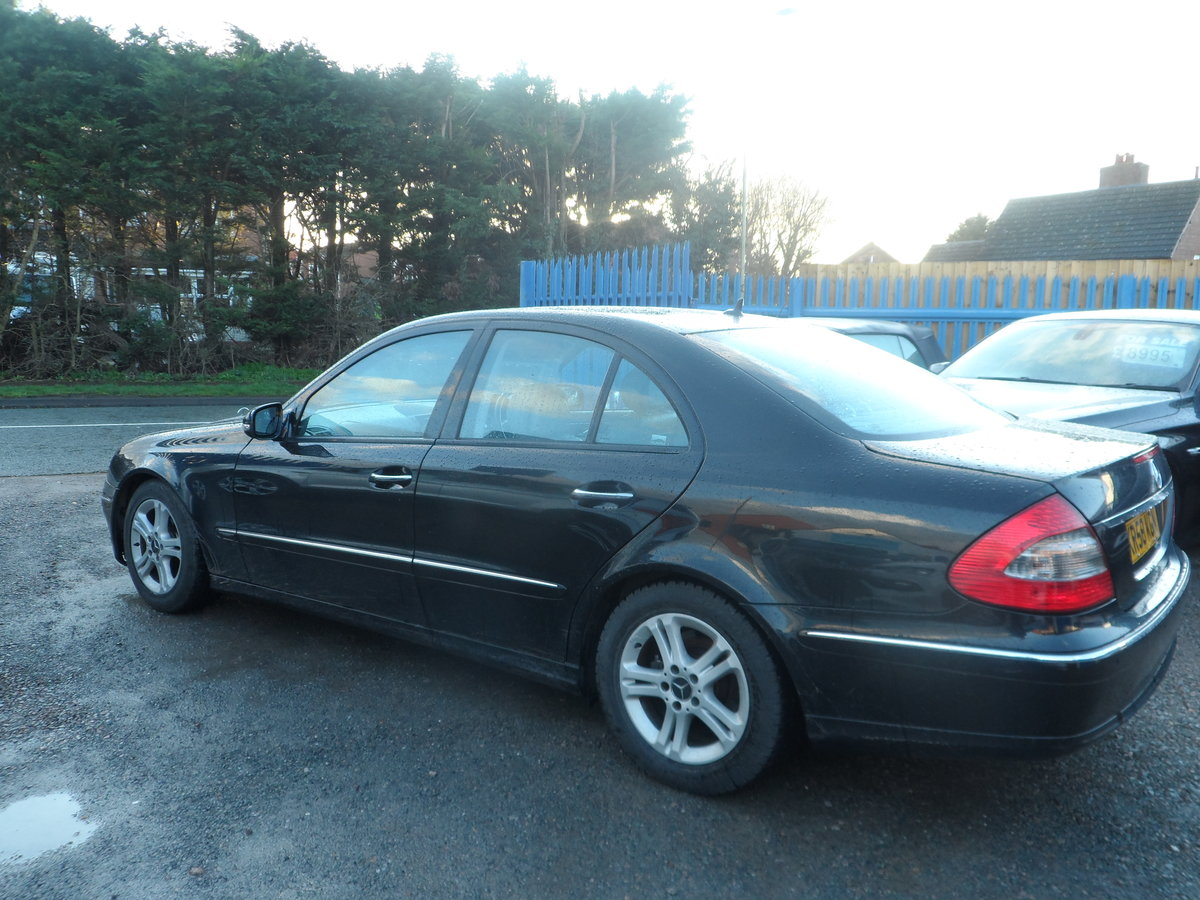 2008 58 PLATE MERCEDS BENZ E220 DIESEL AUTO BLACK WITH LEATHER For Sale (picture 5 of 6)