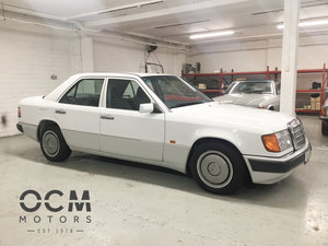 1992 Mercedes 250D (W124) Time Warp Example
