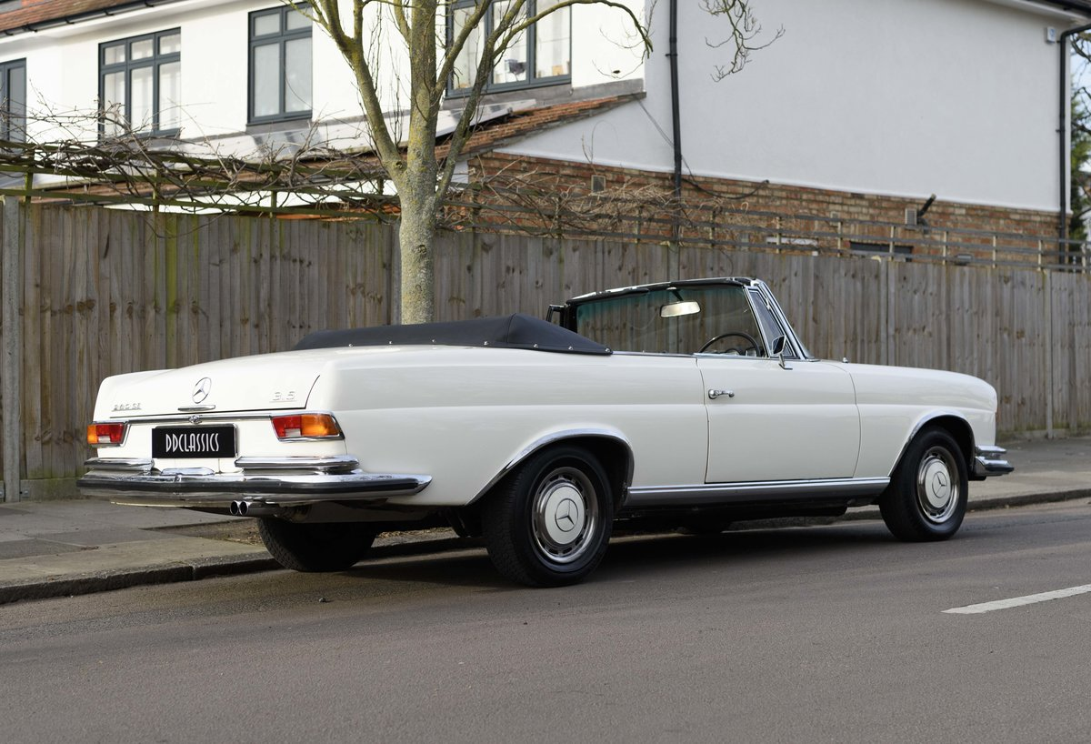 1970 Mercedes-Benz 280SE 3.5 Cabriolet (RHD) For Sale (picture 3 of 21)