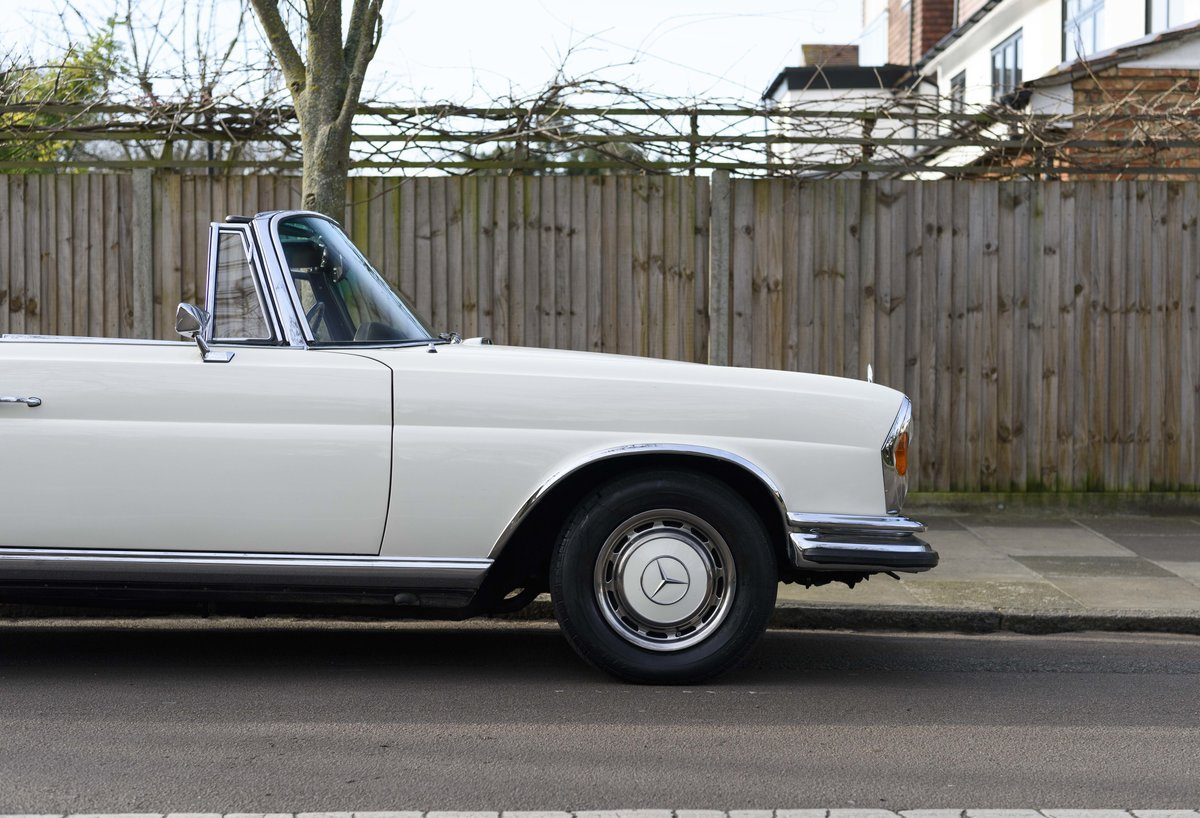 1970 Mercedes-Benz 280SE 3.5 Cabriolet (RHD) For Sale (picture 8 of 21)