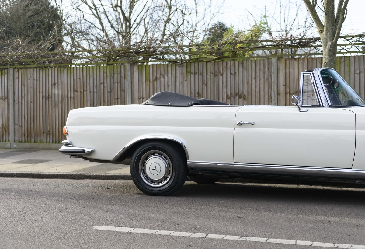1970 Mercedes-Benz 280SE 3.5 Cabriolet (RHD) For Sale (picture 9 of 21)