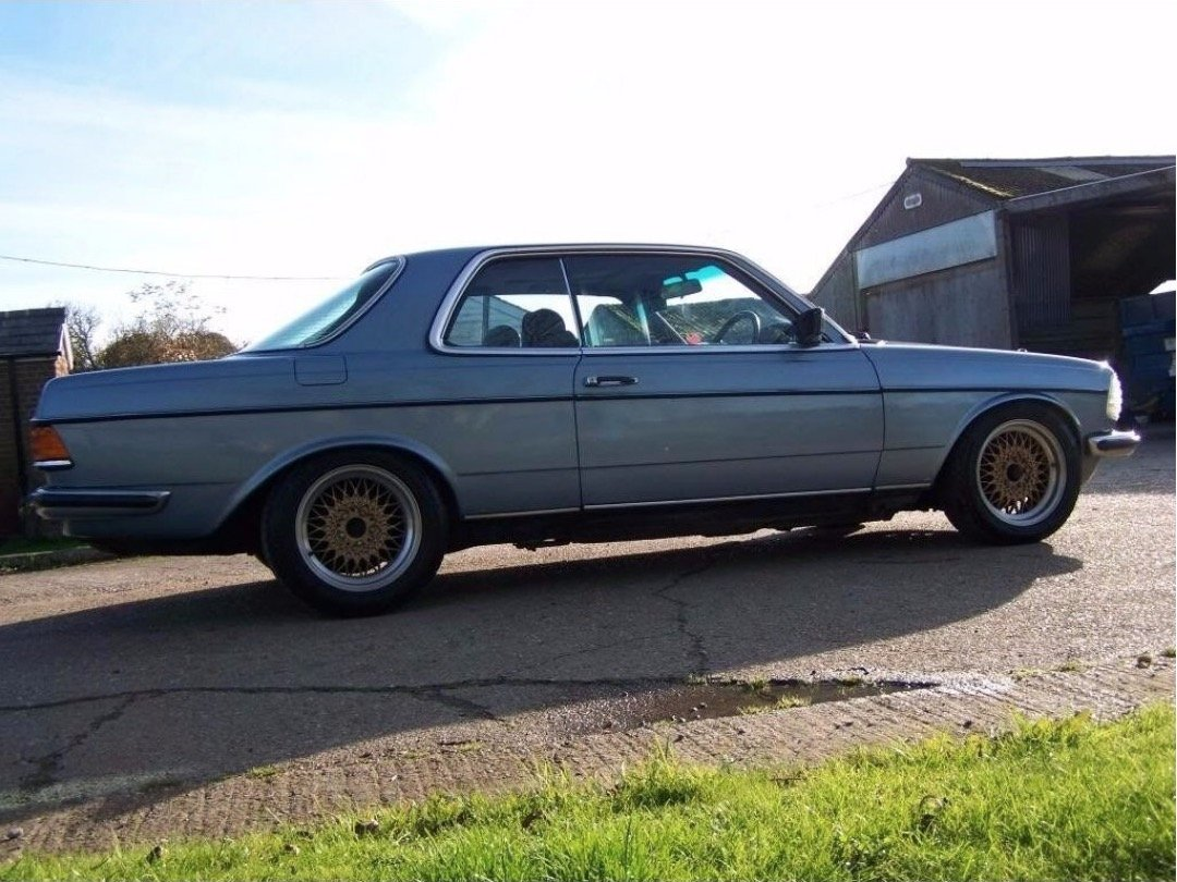 1985 Mercedes W123 230CE pillarless coupe  For Sale (picture 1 of 6)