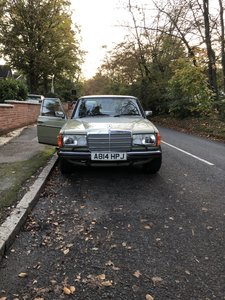 1983 Mercedes w123 230e