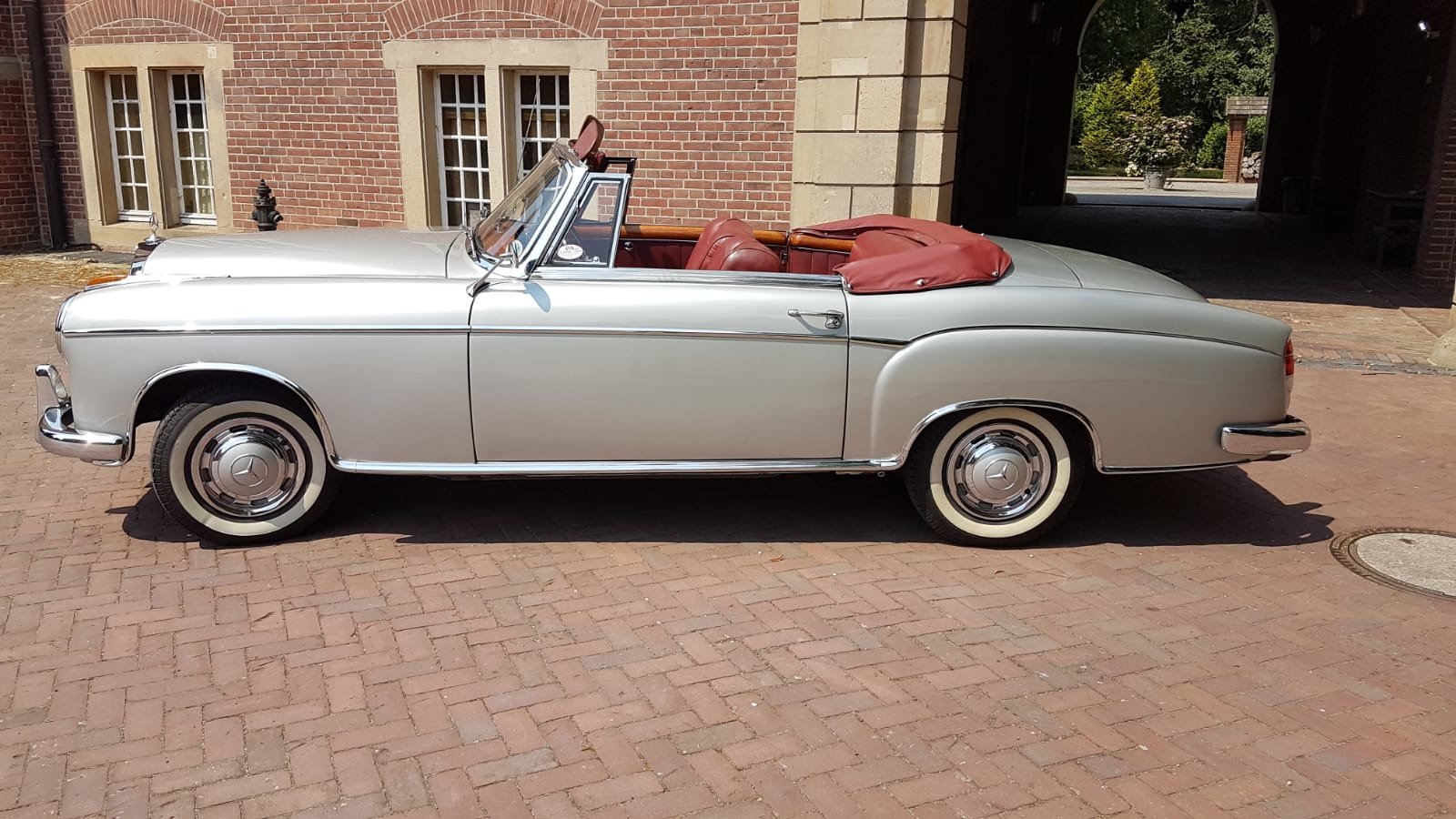1958 Mercedes 220S convertible in excellent condition For Sale (picture 1 of 6)