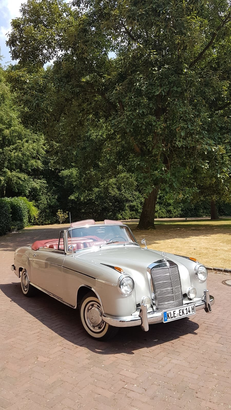 1958 Mercedes 220S convertible in excellent condition For Sale (picture 2 of 6)