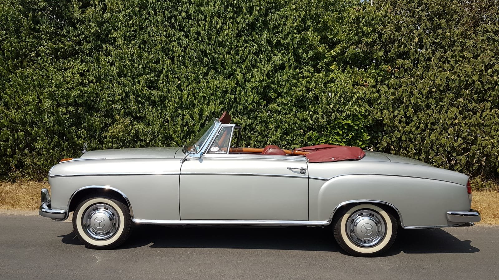 1958 Mercedes 220S convertible in excellent condition For Sale (picture 3 of 6)