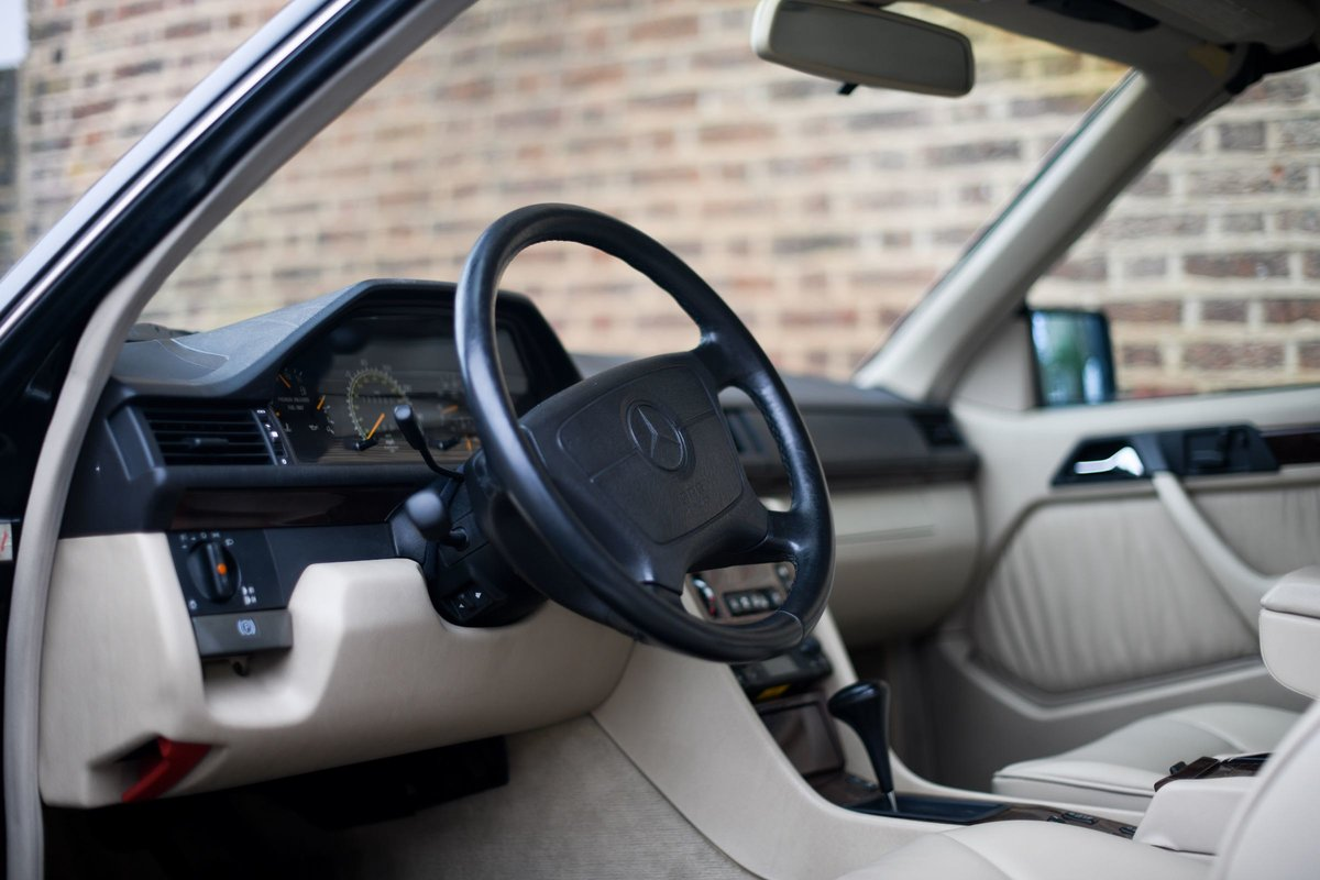 1995 MERCEDES-BENZ E320 CABRIOLET For Sale (picture 5 of 6)