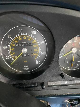 1984 Mercedes 380 sl driver clean Grey(~)Navy  $7.8k usd For Sale (picture 5 of 6)