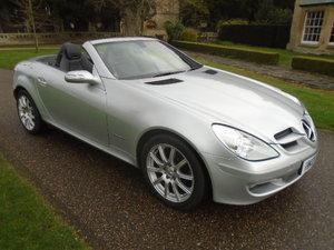 2007 Mercedes SLK200 Kompressor ONLY 68000 miles.  For Sale