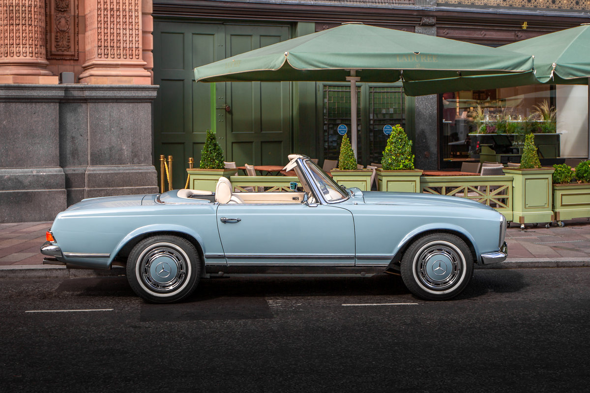 1971 Mercedes-Benz 280 SL Pagoda in Horizon Blue by Hemmels For Sale (picture 3 of 6)