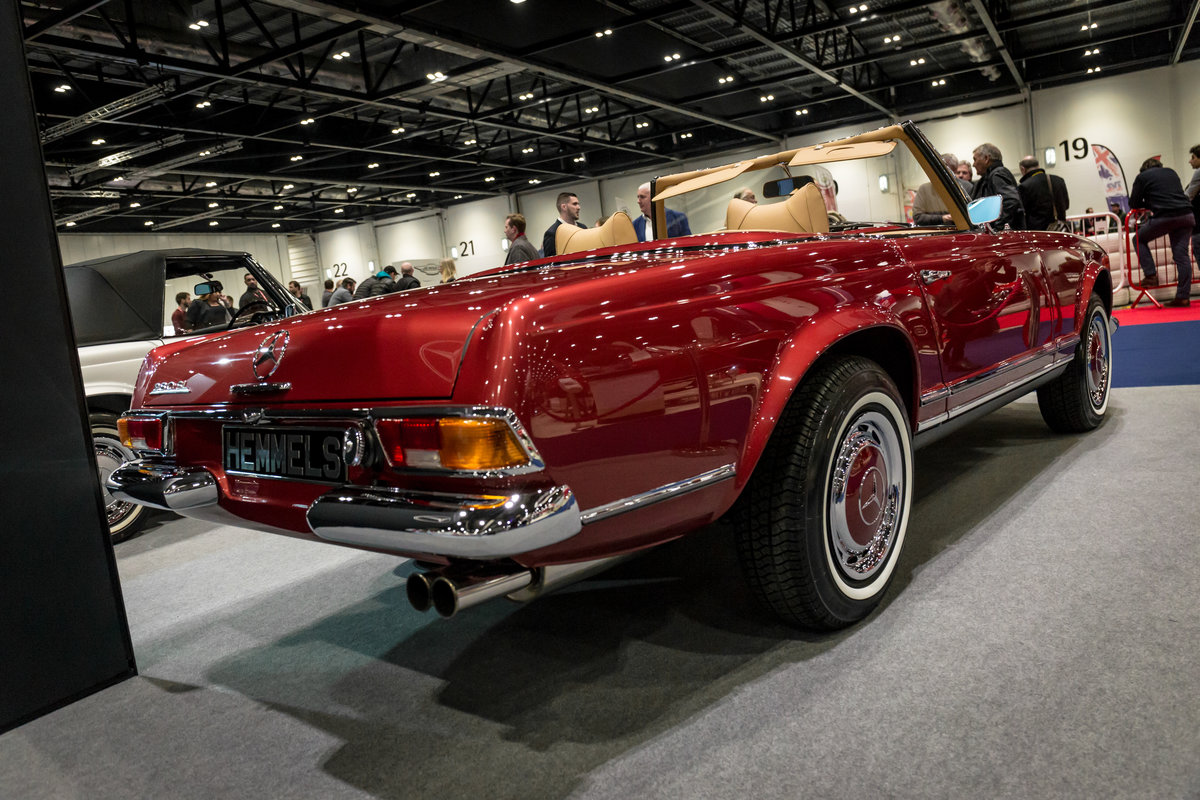 1968 Mercedes-Benz 280 SL Pagoda in Autumn Fire by Hemmels For Sale (picture 3 of 6)
