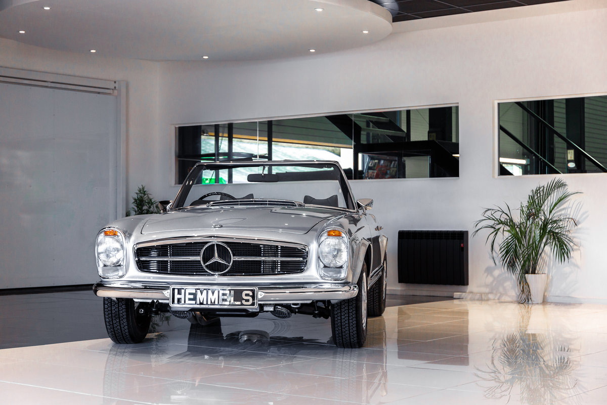 1968 Mercedes-Benz 280 SL Pagoda in Silver by Hemmels For Sale (picture 1 of 6)