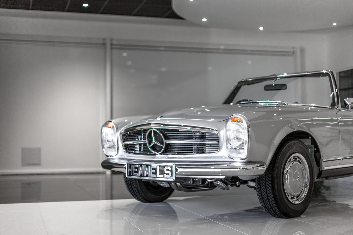1968 Mercedes-Benz 280 SL Pagoda in Silver by Hemmels For Sale (picture 2 of 6)