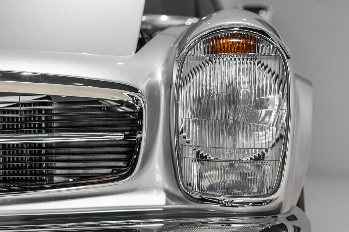 1968 Mercedes-Benz 280 SL Pagoda in Silver by Hemmels For Sale (picture 3 of 6)
