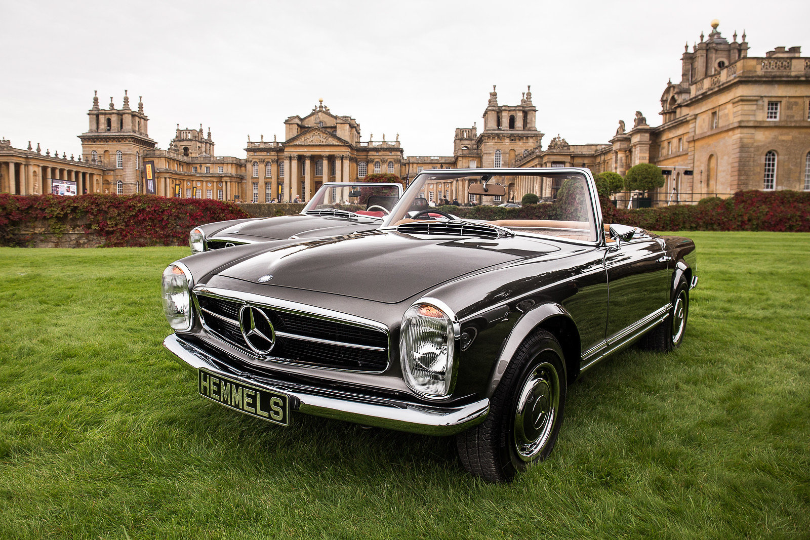 1968 Mercedes-Benz 280 SL Roadster in Anthracite Grey by Hemmels For Sale (picture 1 of 6)