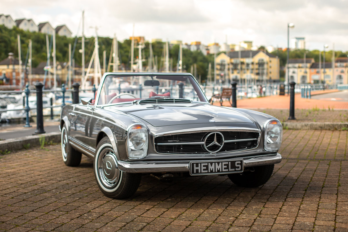 1969 Mercedes-Benz 280 SL Roadster in Anthracite Grey by Hemmels For Sale (picture 1 of 6)