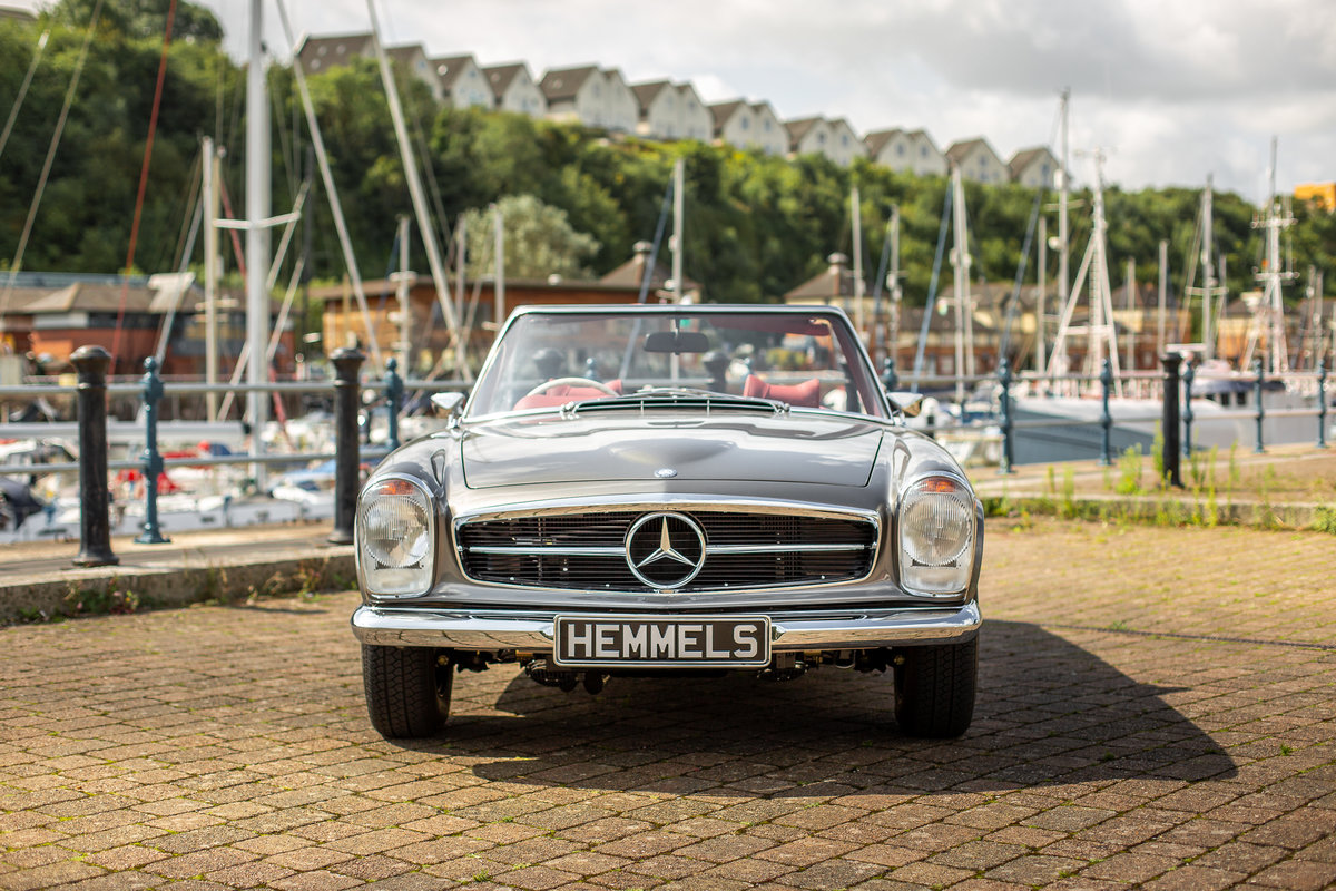 1969 Mercedes-Benz 280 SL Roadster in Anthracite Grey by Hemmels For Sale (picture 2 of 6)