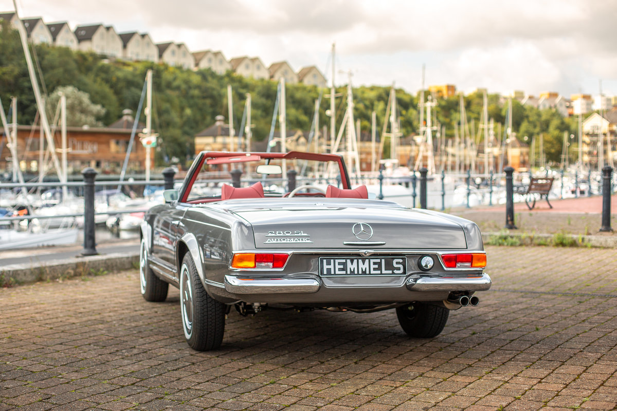 1969 Mercedes-Benz 280 SL Roadster in Anthracite Grey by Hemmels For Sale (picture 3 of 6)