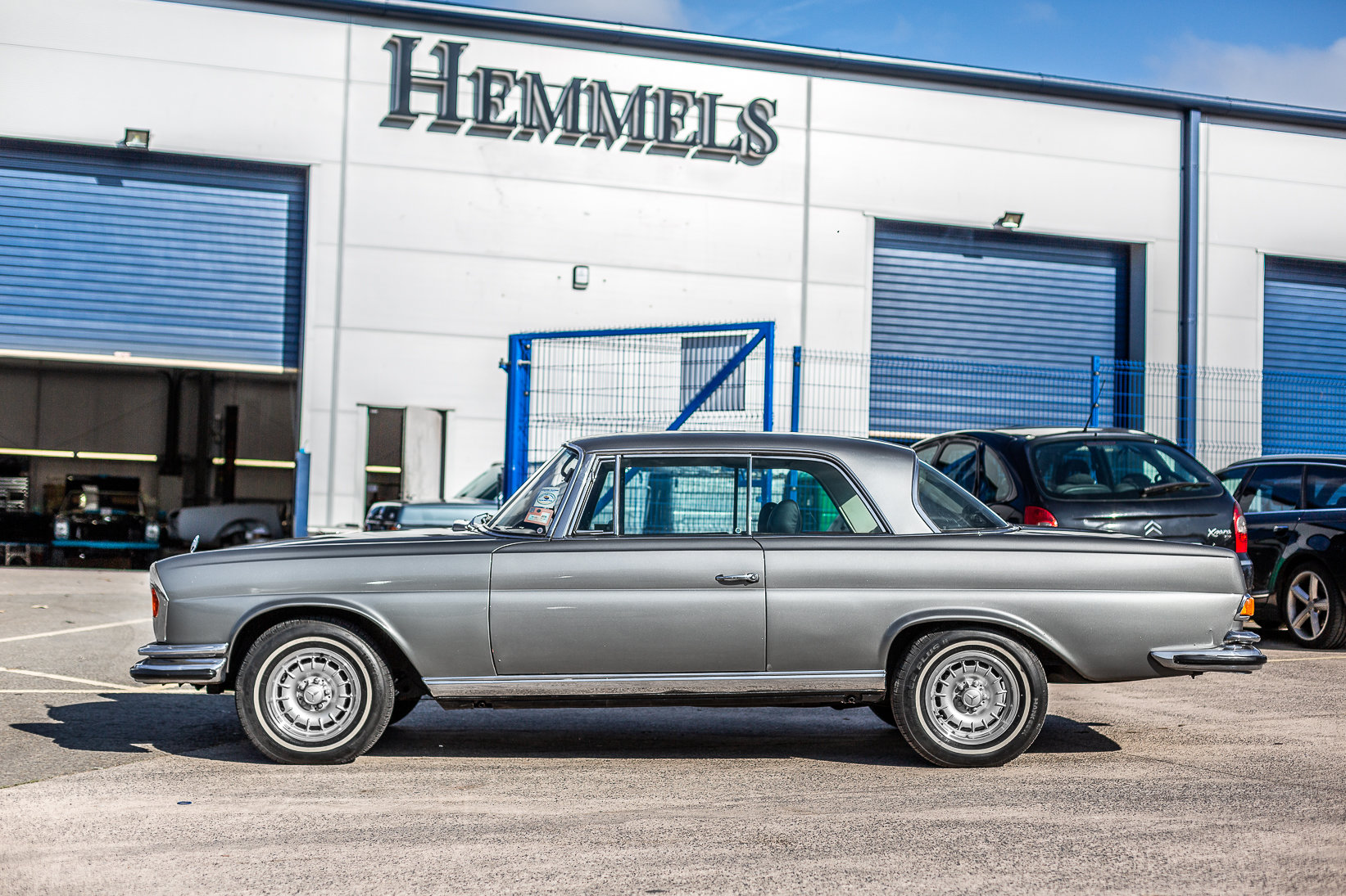 1970 Mercedes-Benz 280 SE W111 in Silver by Hemmels For Sale (picture 2 of 6)