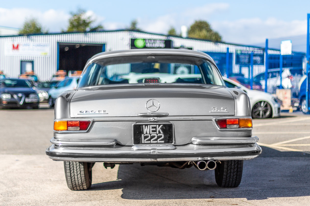 1970 Mercedes-Benz 280 SE W111 in Silver by Hemmels For Sale (picture 3 of 6)