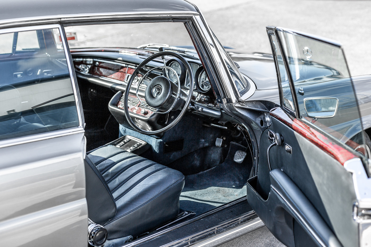 1970 Mercedes-Benz 280 SE W111 in Silver by Hemmels For Sale (picture 4 of 6)