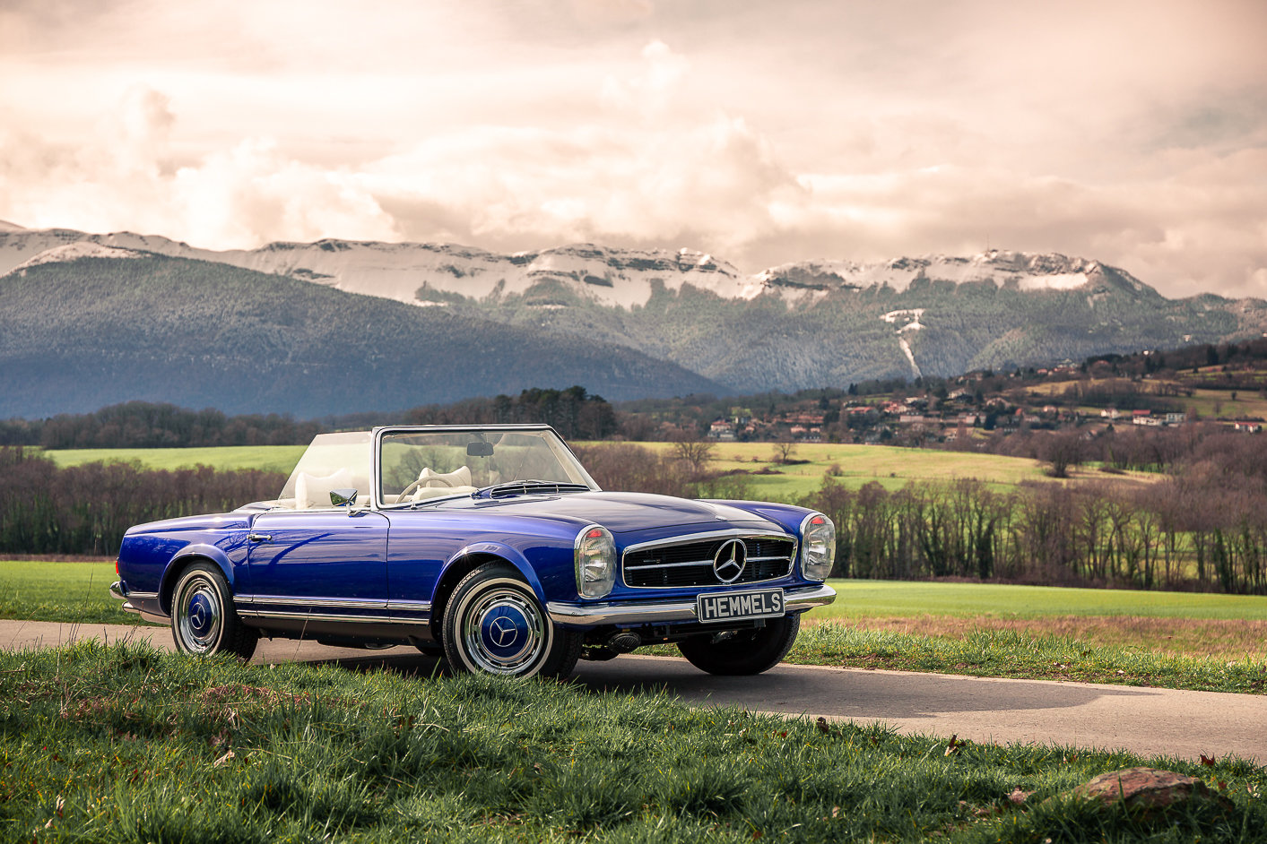 1968 Mercedes-Benz 280 SL Pagoda in Cardiff Blue by Hemmels	 For Sale (picture 2 of 6)