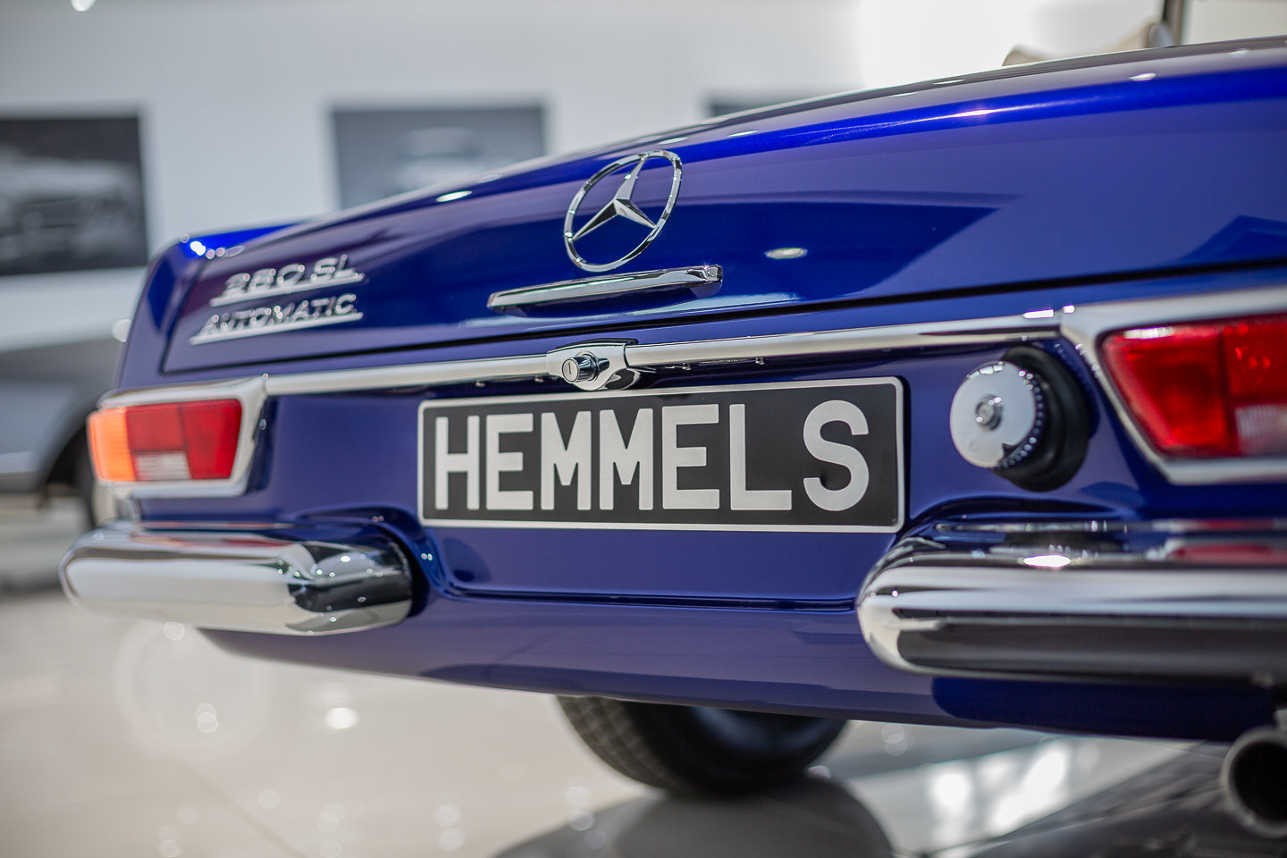 1968 Mercedes-Benz 280 SL Pagoda in Cardiff Blue by Hemmels	 For Sale (picture 5 of 6)