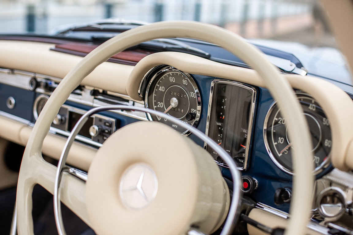 1970 Mercedes-Benz 280 SL Roadster in Blue Metallic by Hemmels For Sale (picture 4 of 6)