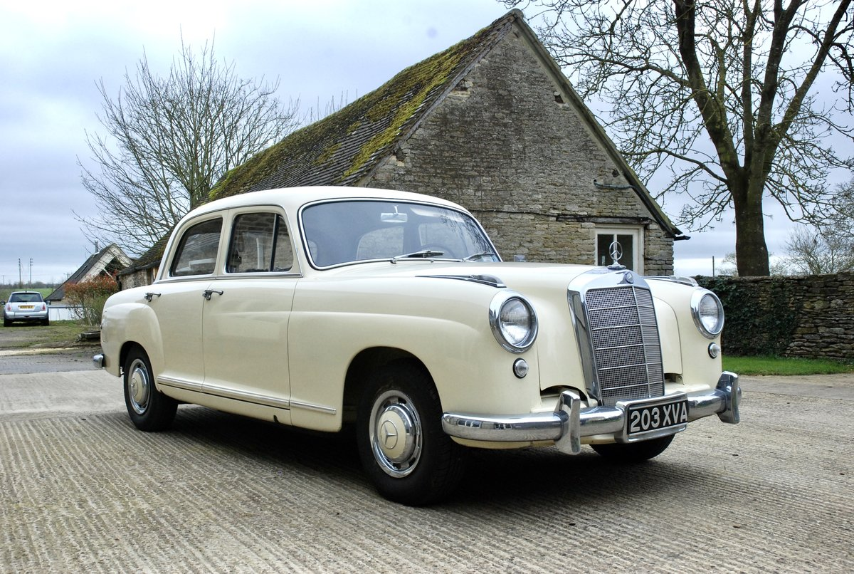 1956 Mercedes 219 saloon  For Sale (picture 1 of 6)