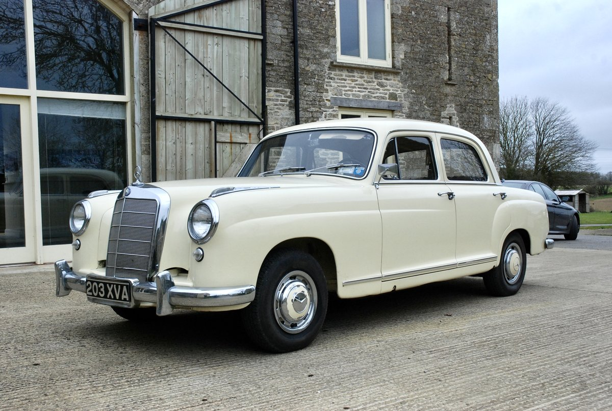 1956 Mercedes 219 saloon  For Sale (picture 2 of 6)