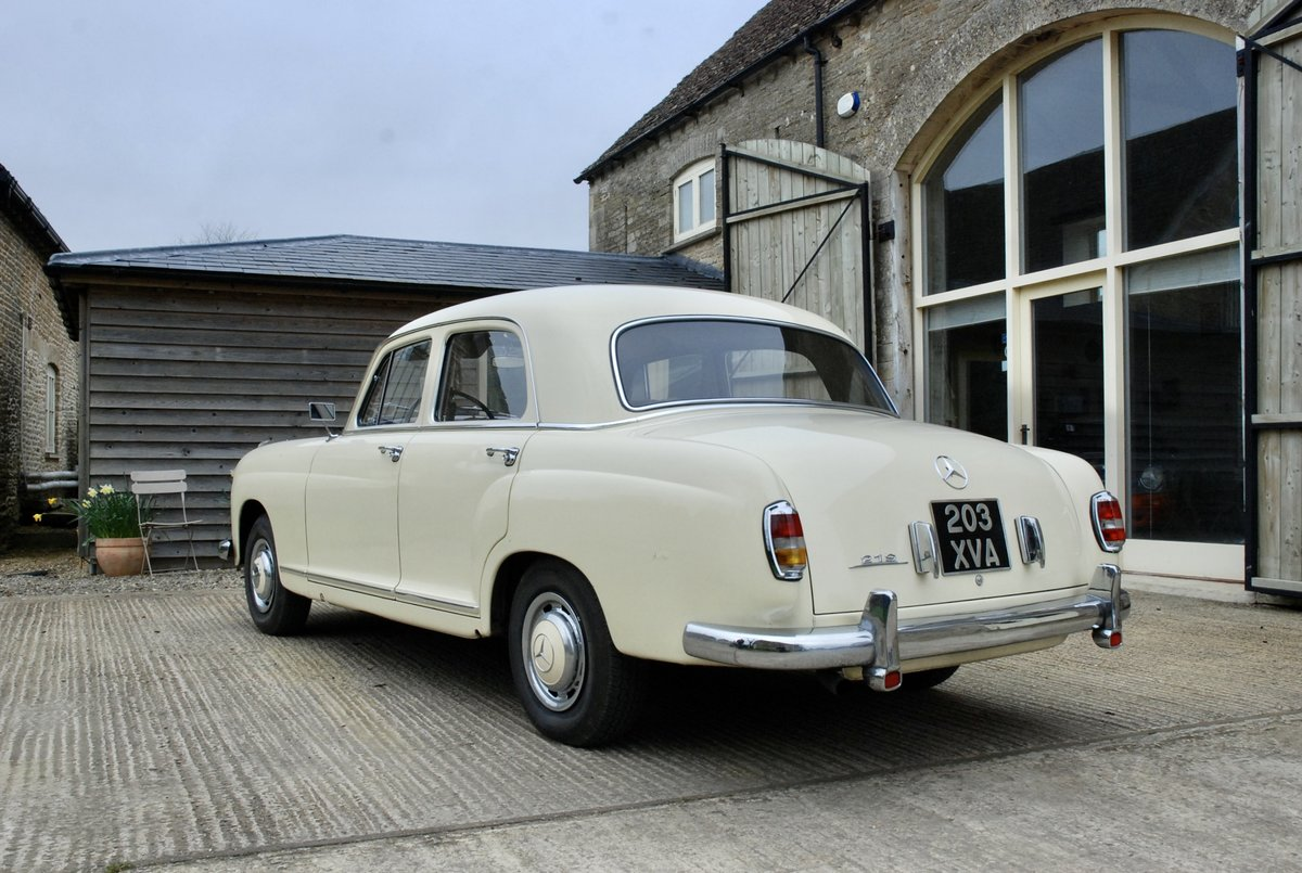 1956 Mercedes 219 saloon  For Sale (picture 3 of 6)