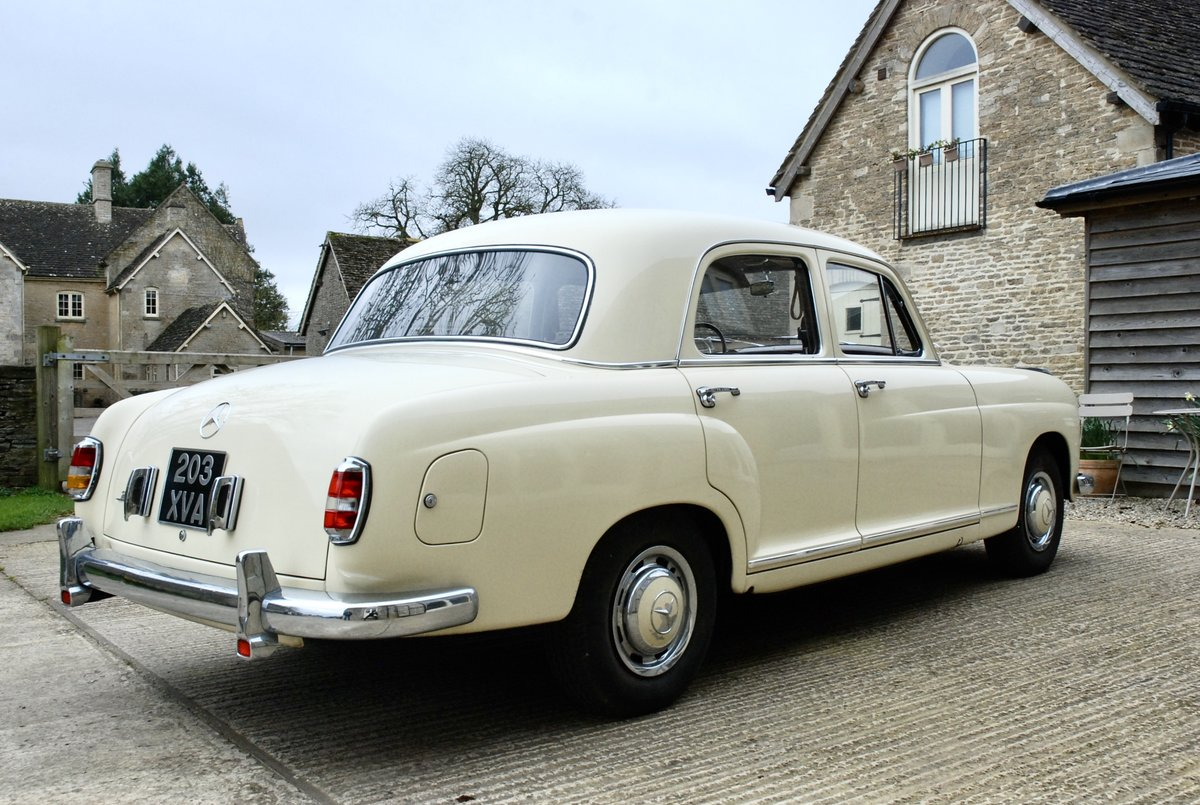 1956 Mercedes 219 saloon  For Sale (picture 4 of 6)