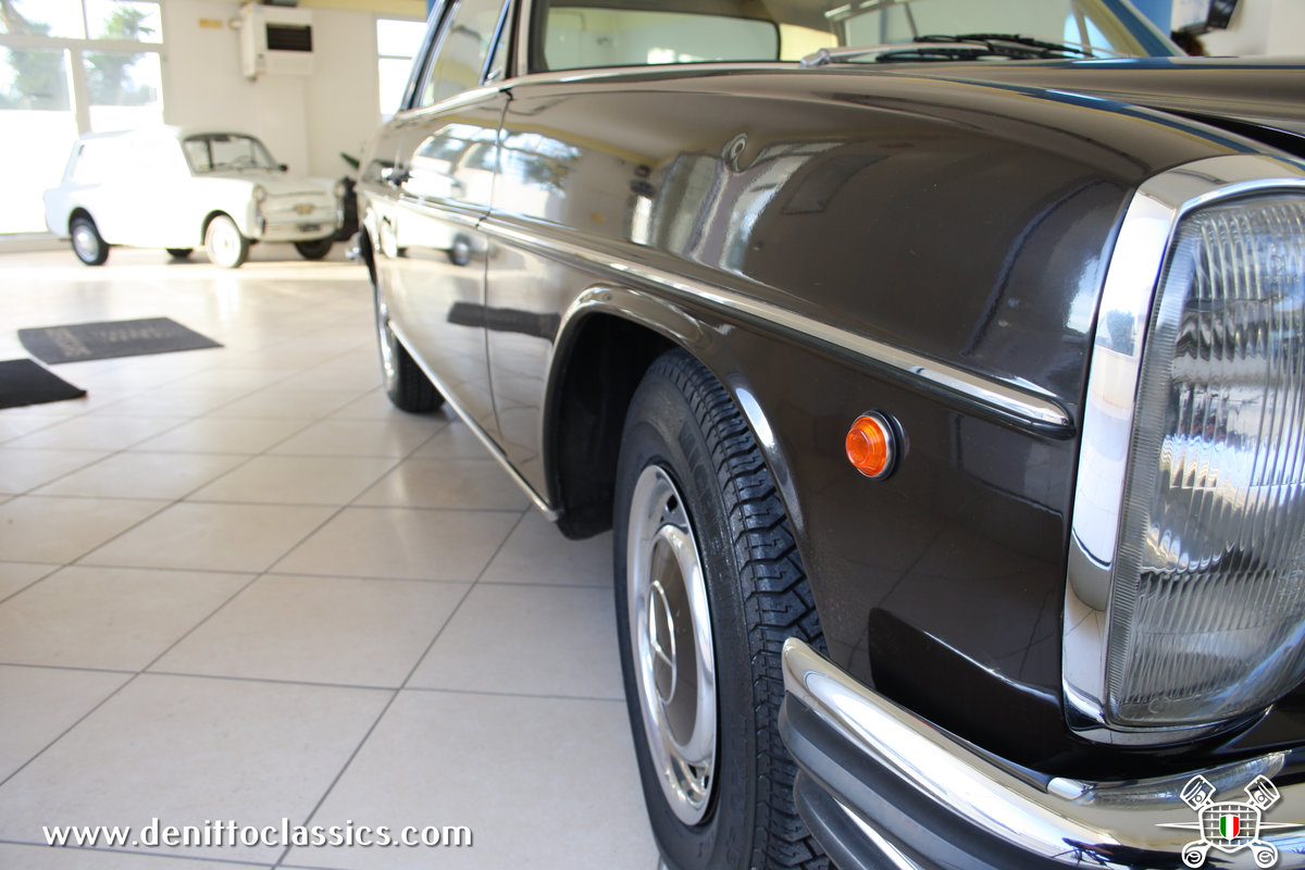 1971 Mercedes Benz - 250 C - Brown For Sale (picture 5 of 10)