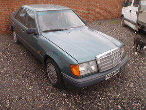 Mercedes 200e W124 auto. low miles, very good cond