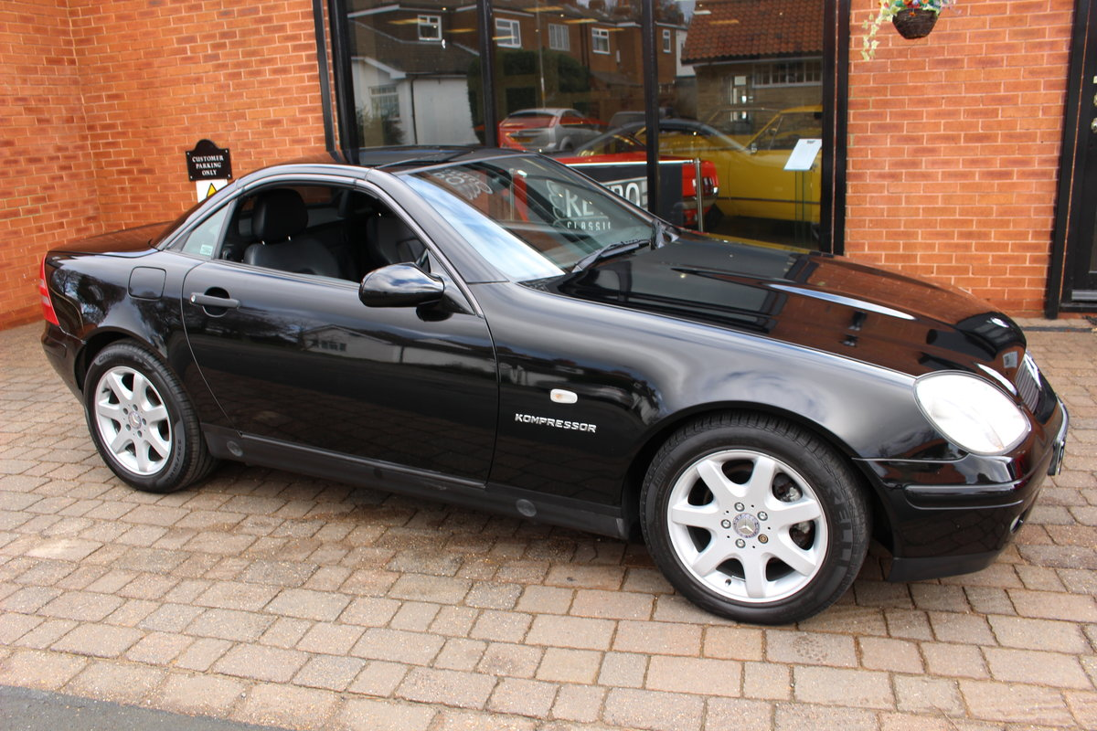 1998 Mercedes 230 SLK Hardtop Convertible | FSH 37,000 Miles For Sale (picture 1 of 10)