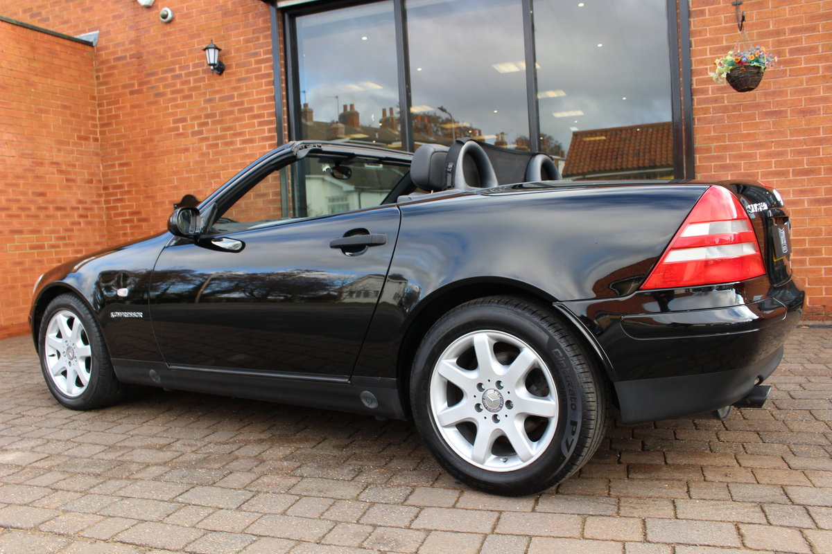 1998 Mercedes 230 SLK Hardtop Convertible | FSH 37,000 Miles For Sale (picture 6 of 10)