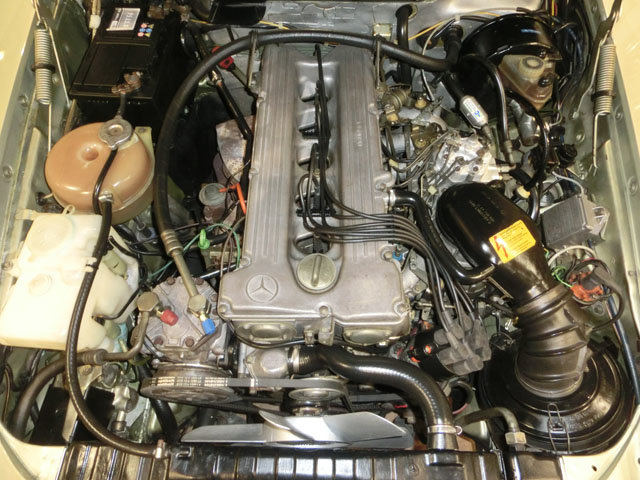 MERCEDES BENZ 280 SL ROADSTER R107 - 1982 For Sale (picture 5 of 6)