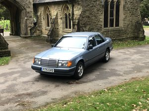 1988 Mercedes 260E Automatic ONE OWNER FROM NEW