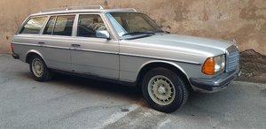 1980 MERCEDES 240 TD KOMBI SERVICE BOOK, SPECIAL PRICE 5500 EURO