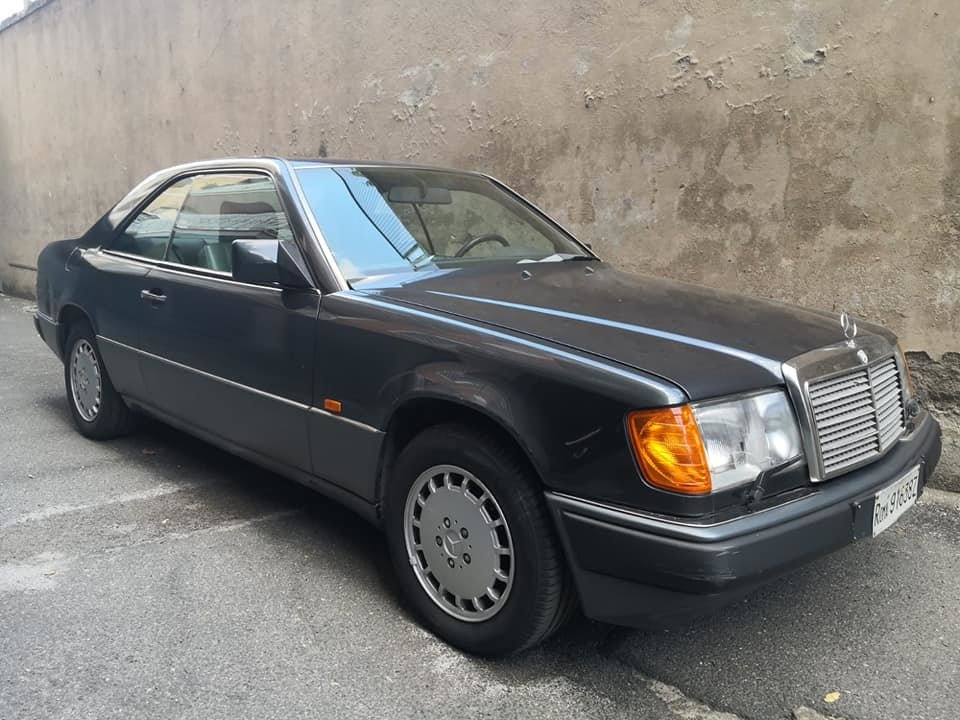 1991 MERCEDES 200 CE AUTOMATIC, ONE OWNER SERVICE BOOK 4900 EURO For Sale (picture 1 of 6)