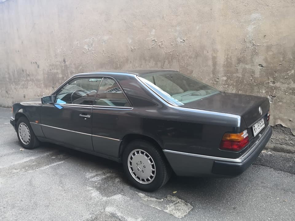 1991 MERCEDES 200 CE AUTOMATIC, ONE OWNER SERVICE BOOK 4900 EURO For Sale (picture 2 of 6)