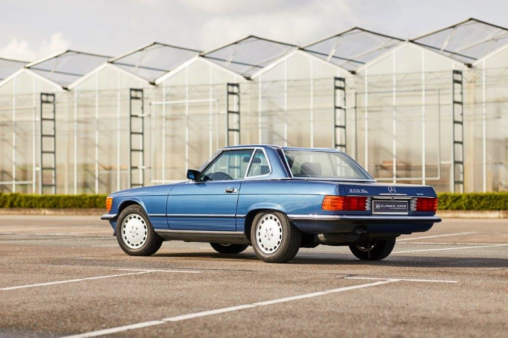 Mercedes-Benz R107 300 SL 1989 For Sale (picture 2 of 6)