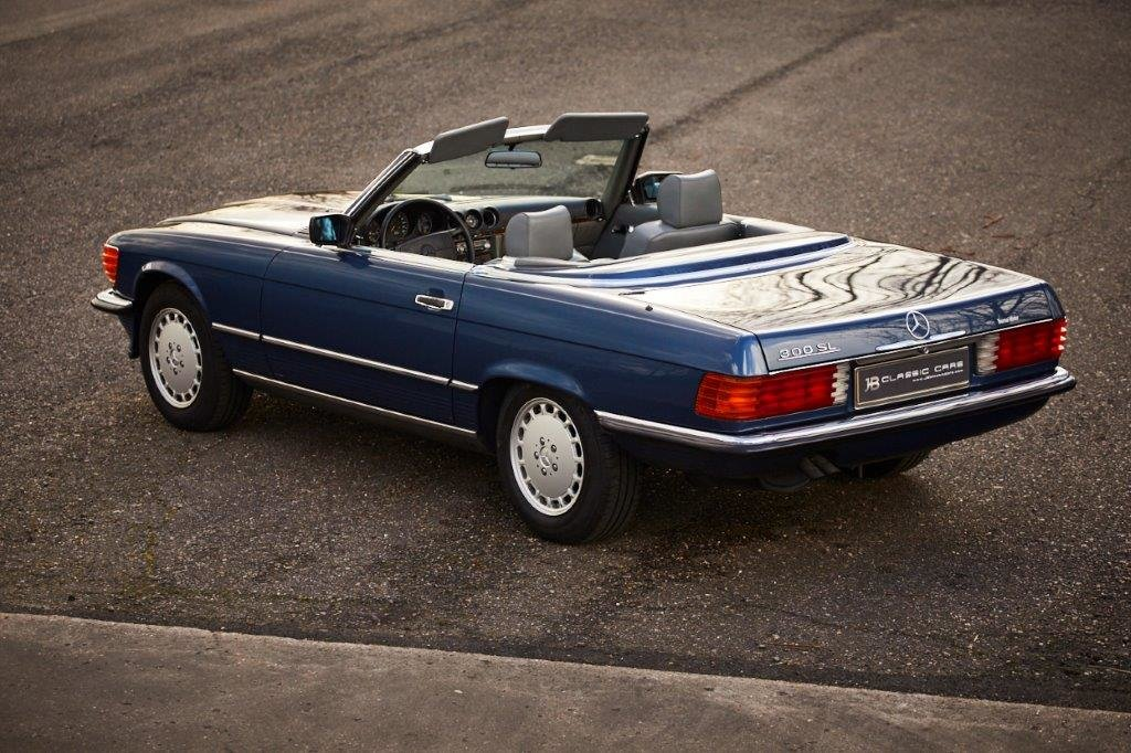 Mercedes-Benz R107 300 SL 1989 For Sale (picture 4 of 6)