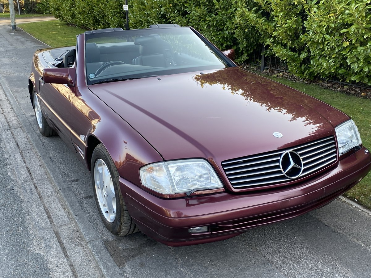 1996 Mercedes 500 SL 3900 miles only from new For Sale (picture 1 of 6)