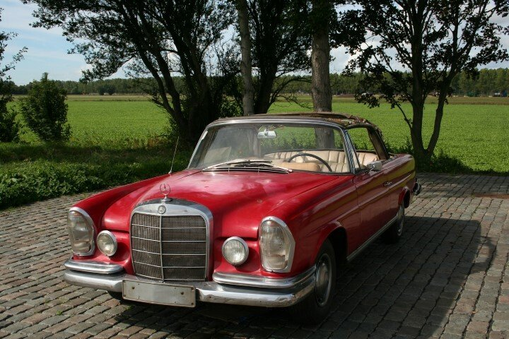 1962 Mercedes 220SE Convertible W111 For Sale (picture 1 of 6)