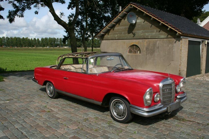1962 Mercedes 220SE Convertible W111 For Sale (picture 2 of 6)